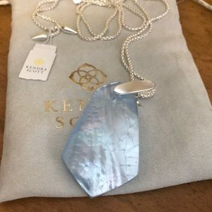 Kendra Scott necklace with adjustable chain